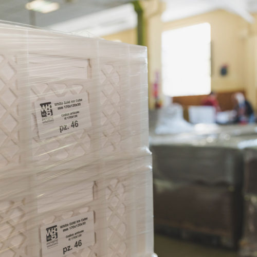 Ice Cube: cassette pronte-Ice Cube: plastic case ready to delivery-Ice Cube:  22/5000 listo para la entrega
